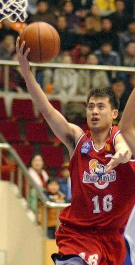 图文-新一届中国男篮国家队成员名单公布 边强