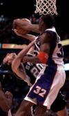 图文-NBA季后赛每日一球小霸王残酷镇压吉诺比利