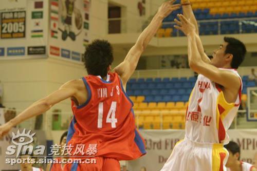 图文-[半决赛]中国男篮93比49胜韩国王仕鹏出手
