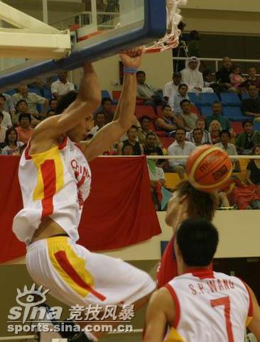 图文-[半决赛]中国男篮93比49胜韩国易建联飞扣