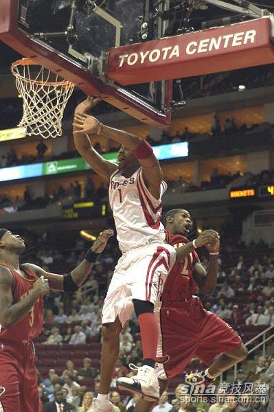 篮球比赛各种犯规手势图解