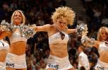 图文-05年度NBA啦啦队精选森林狼女郎赛场热舞