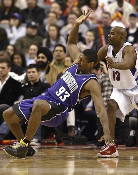 篮球防守姿势图解