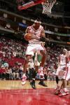 图文-[NBA]超音速77-100火箭斯威夫特控制篮板