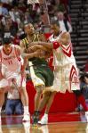 图文-[NBA]超音速77-100火箭姚明:麦蒂刘易斯抢啥