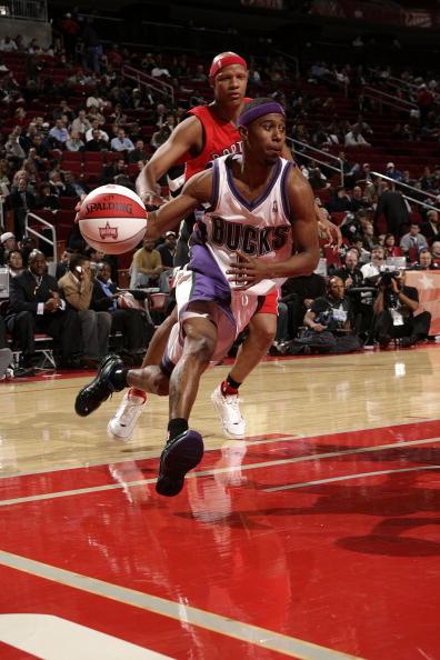 图文-NBA全明星新秀挑战赛福特突破风驰电掣