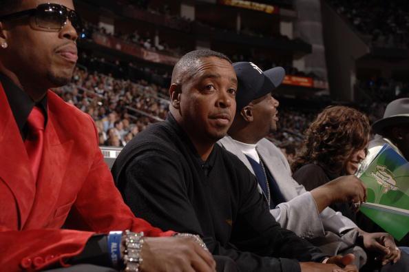 图文-NBA全明星观战灌篮大赛韦伯感叹自己年岁老矣