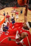 图文-NBA东西部全明星赛火热打响麦蒂作东先扣一个