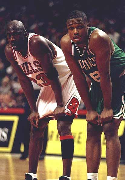 NBA老照片之安东尼 沃克初生牛犊不惧乔丹