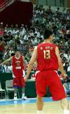 图文-[斯杯]中国男篮vs巴西大郅关注姚明比赛