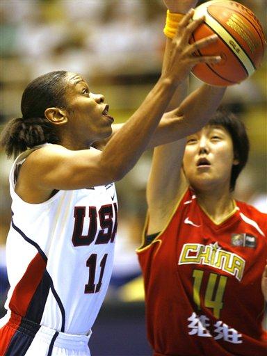 图文-[世锦赛]中国女篮vs美国汤普森强打张晓妮