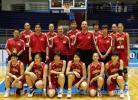 图文-中国女篮72-119美国中国女篮全家福合影
