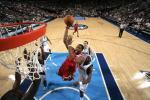 图文-[NBA]火箭72-69胜小牛麦蒂突破单手暴扣