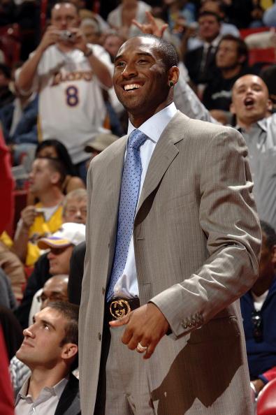 图文-[NBA]国王96-91胜湖人科比为奥多姆喝彩