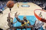 图文-[NBA]马刺vs黄蜂双方内线展开肉搏大战