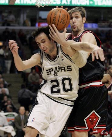 图文-[NBA]马刺87-99公牛阿根廷双雄针锋相对