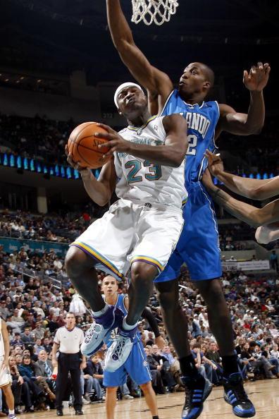 图文-[NBA]魔术78-84黄蜂霍华德镇守内线