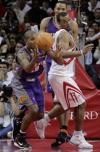图文-[NBA]太阳100-91火箭海耶斯眼看贝尔抢到球