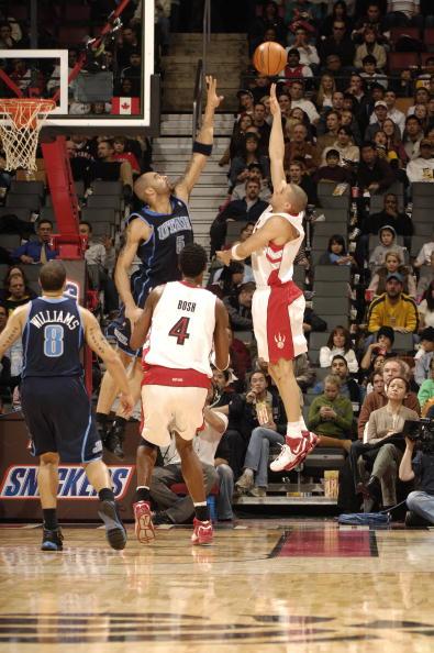 图文-[NBA]爵士102-94猛龙布泽尔封盖差一点