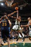 图文-[NBA常规赛]掘金vs超音速内内力压沃特森