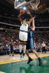 图文-[NBA常规赛]掘金vs超音速威尔考克斯强势上篮