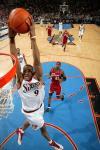 图文-[NBA]骑士vs76人伊古欧达拉双手灌篮