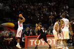 图文-[NBA]开拓者vs火箭麦蒂三分线外突发冷箭