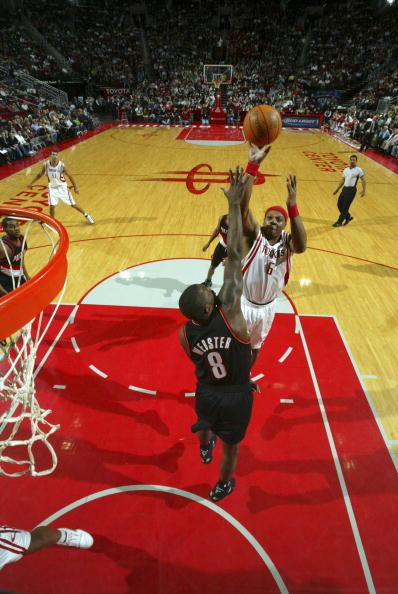 图文-[NBA]开拓者vs火箭维尔斯力压对手跳投