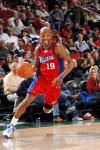 图文-[NBA]快船98-76超音速卡塞尔带球推进