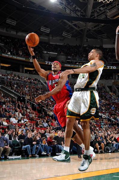 图文-[NBA]快船98-76超音速莫布利飞身上篮