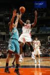 图文-[NBA]黄蜂100-104山猫保罗防守菲尔顿