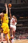图文-[NBA]老鹰81-106公牛杜洪17分全场最高