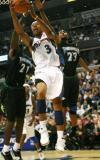 图文-[NBA]森林狼100-112奇才巴特勒突破包围