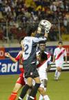 图文-[世少赛]中国1-0秘鲁秘鲁门将卡斯特空中揽月