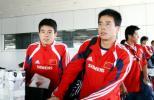 图文-朱广沪率领国足返回北京吉祥兄弟满脸轻松