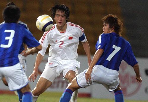图文-国足2-1战胜日本闯进决赛杜威镇定自若