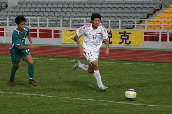 图文-亚青赛国青9-1胜澳门国青队边路突破得手