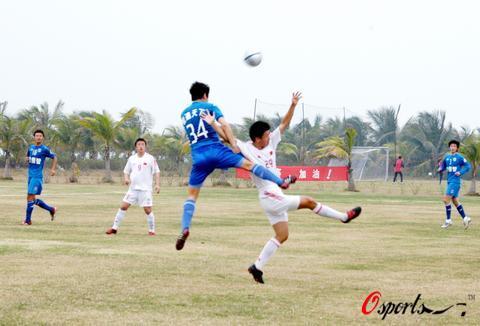图文-热身赛国青1-0胜沈阳金德队不让你轻易得手