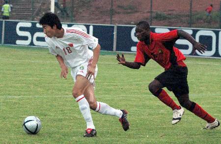 图文-南非八国赛国青夺冠小将毛彪大开杀戒