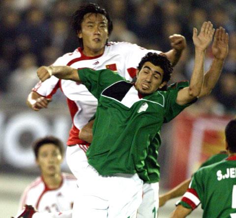 图文-[亚洲杯]中国队VS巴勒斯坦杜威头球破门瞬间