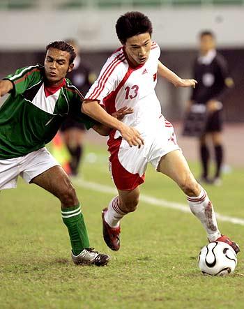 图文-[亚洲杯]中国2-0巴勒斯坦曹阳边线寻杀机
