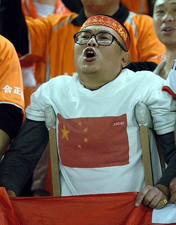 图文-[亚洲杯]中国2-0巴勒斯坦中国队铁杆粉丝