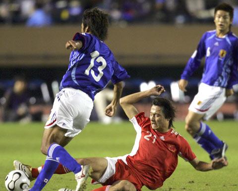 图文-中国国奥0-2负日本未能复仇郜林拼抢不遗余力