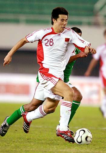 图文-[亚洲杯]国足2-0巴勒斯坦国足锋线杀手董方卓