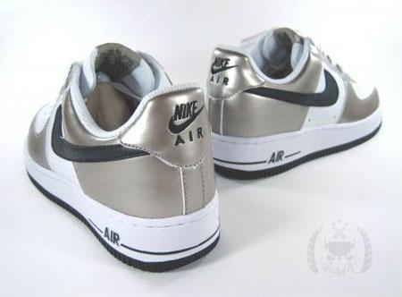 NikeAirForceIMetallicZinc银色效果不俗
