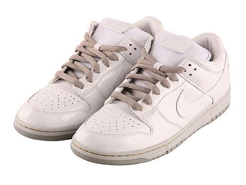 [转自新浪我为鞋狂]时尚休闲的复古鞋与牛仔裤