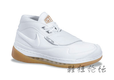 小霸王强势出击最新专署战靴sample亮相(多图)