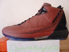 穿着篮球打篮球AirJordan22篮球皮面款Sample