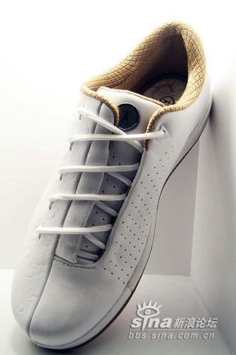 一双有着AF1影子的韦德休闲鞋CONSWADEClassic