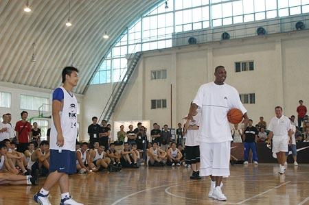 耐克亚洲篮球训练营 高中联赛MVP,来过过招